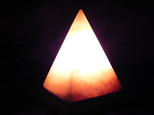 Himalayan Pyramid Salt Lamp 2 3kg Awesome Health Gifts Relieves Asthma eBay