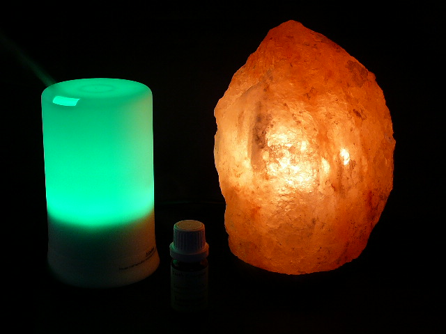 Do You Turn Salt Lamps Off : SAFE SALT LAMP, AROMATHERAPY PACK & INNER PEACE OIL 5% OFF - Free Freight eBay
